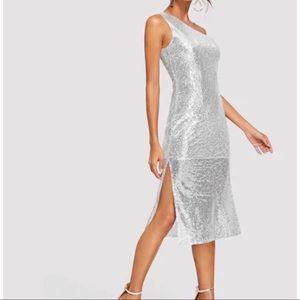 One shoulder Sequin Dress Silver